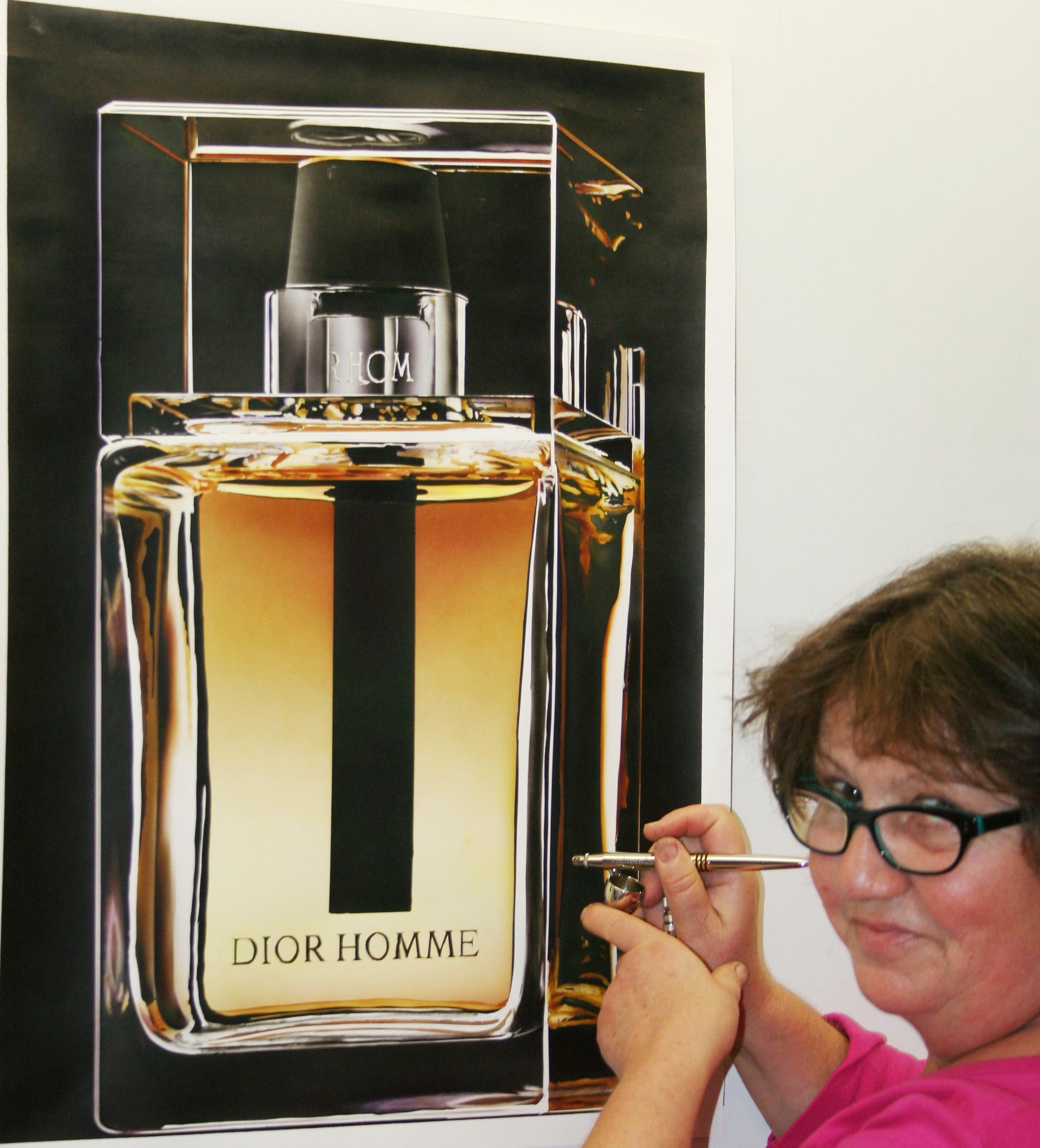 Flacon de parfum réalisé à l'aérographe