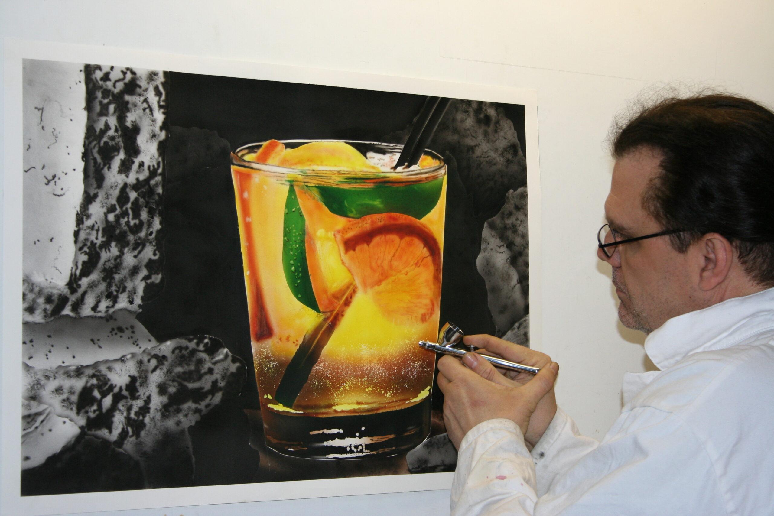 Peinture d'un cocktail à l'aérographe